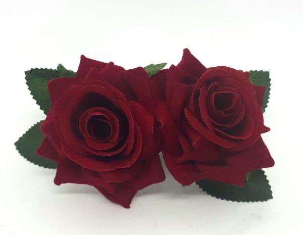 Dupla mini rosas aveludadas com presilha